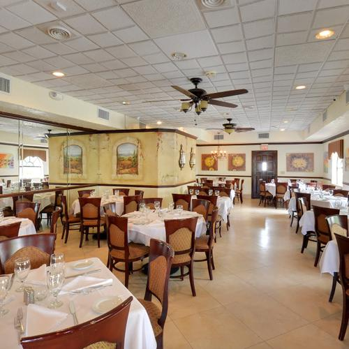Get 60 off dining certificates to novello boca raton for Fish restaurants in boca raton